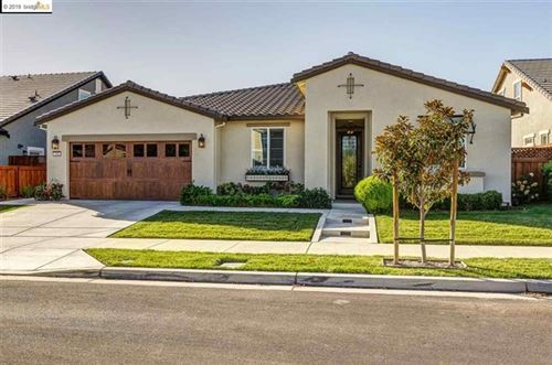 Photo of 516 Bougainvilla Ct, Brentwood, CA 94513 (MLS # 40885475)
