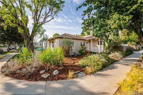 Photo of 17501 Lemay Place, Lake Balboa, CA 91406 (MLS # SR20227486)