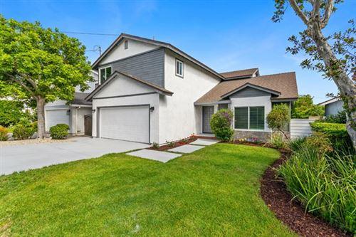 Photo of 17949 Delano Street, Encino, CA 91316 (MLS # 221002497)