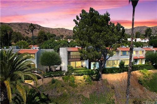 Photo of 7739 Via Capri, Burbank, CA 91504 (MLS # SR21202499)
