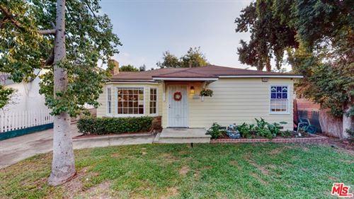 Photo of 15332 Archwood Street, Van Nuys, CA 91406 (MLS # 20652532)