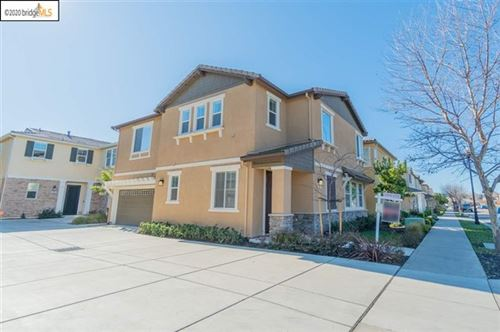 Photo of 316 Pacifica Dr, Brentwood, CA 94513 (MLS # 40895540)