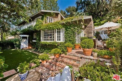 Photo of 11946 Ashdale Lane, Studio City, CA 91604 (MLS # 21783574)