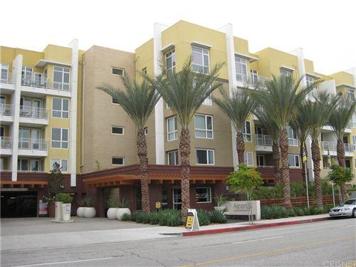 Photo of 21301 Erwin Street #508, Woodland Hills, CA 91367 (MLS # SR21207578)