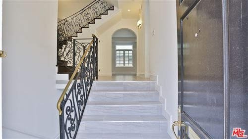 Photo of 202 N CRESCENT Drive #2, Beverly Hills, CA 90210 (MLS # 21796594)