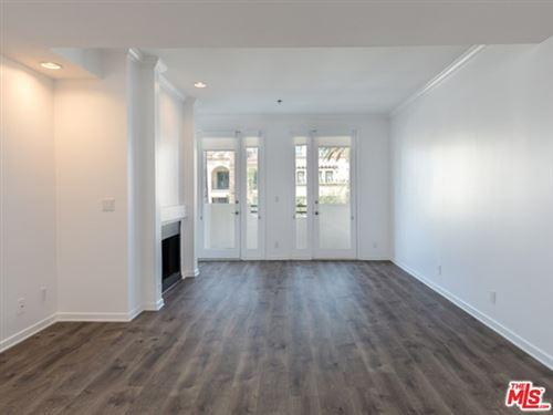 Photo of 230 S HAMILTON Drive #406, Beverly Hills, CA 90211 (MLS # 20544606)