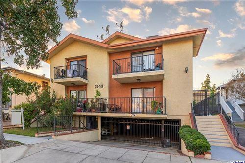 Photo of 2243 N Catalina Street #F, Burbank, CA 91504 (MLS # 320007607)