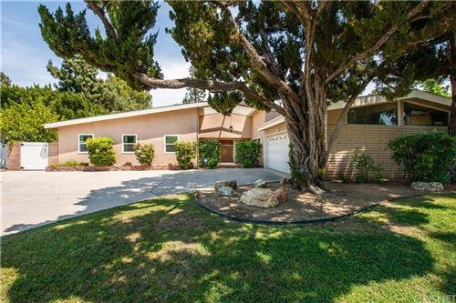 Photo of 6140 Capistrano Avenue, Woodland Hills, CA 91367 (MLS # SR21128609)