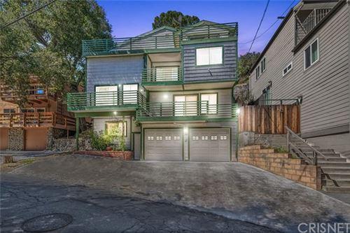 Photo of 4647 Ensenada Drive, Woodland Hills, CA 91364 (MLS # SR21069626)