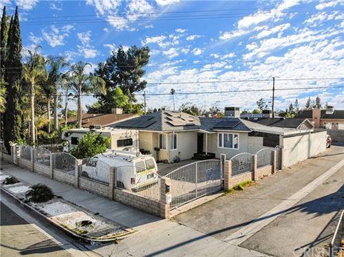 Photo of 7913 Whitsett Avenue, North Hollywood, CA 91605 (MLS # SR21123654)
