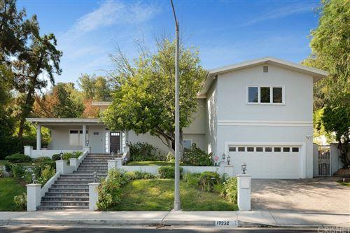 Photo of 17232 Quesan Place, Encino, CA 91316 (MLS # SR21198658)