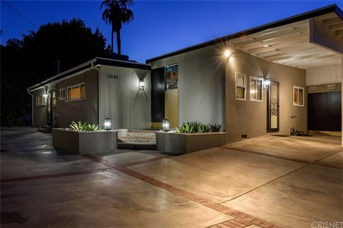 Photo of 3323 Ione Drive, Hollywood Hills, CA 90068 (MLS # SR21157670)