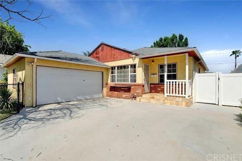 Photo of 6858 Mclennan Avenue, Lake Balboa, CA 91406 (MLS # SR21097676)
