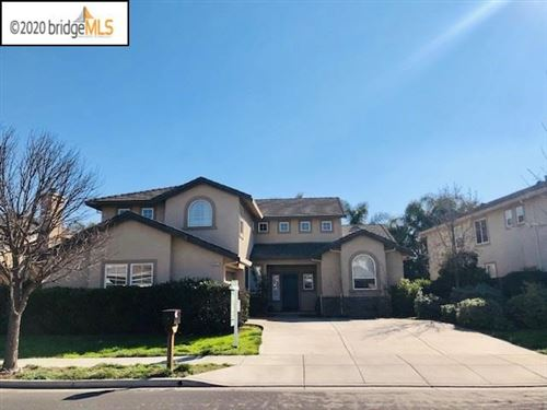 Photo of 802 Redhaven St, Brentwood, CA 94513 (MLS # 40892731)