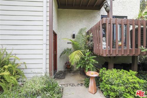 Photo of 5964 Costello Avenue, Van Nuys, CA 91401 (MLS # 21731754)