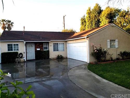 Photo of 18031 Burton Street, Reseda, CA 91335 (MLS # SR20081769)