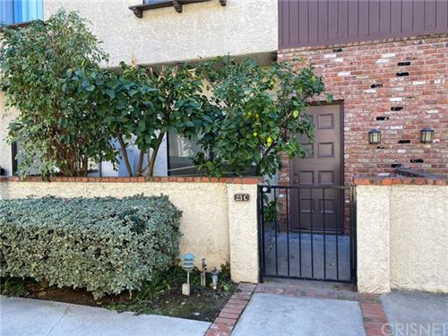 Photo of 1722 Rogers Place #23C, Burbank, CA 91504 (MLS # SR20030772)