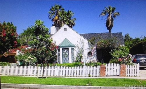 Photo of 4424 Forman Avenue, Toluca Lake, CA 91602 (MLS # SR20194798)