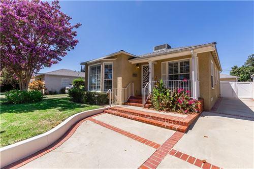 Photo of 17411 Hamlin Street, Lake Balboa, CA 91406 (MLS # SR21155833)