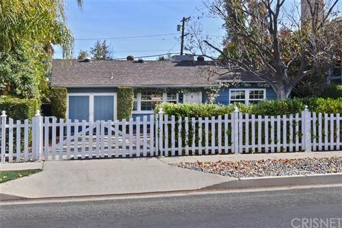 Photo of 5162 Lindley Avenue, Encino, CA 91316 (MLS # SR21043869)