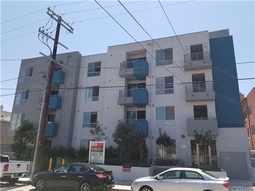 Photo of 10850 Bloomfield Street, Toluca Lake, CA 91602 (MLS # SR20197881)