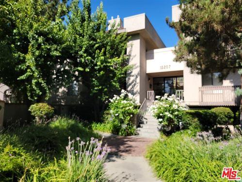 Photo of 15207 Magnolia Boulevard #125, Sherman Oaks, CA 91403 (MLS # 21764890)