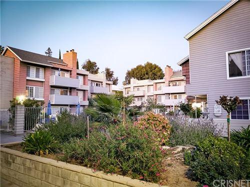 Photo of 20235 Keswick Street #320, Winnetka, CA 91306 (MLS # SR21101899)