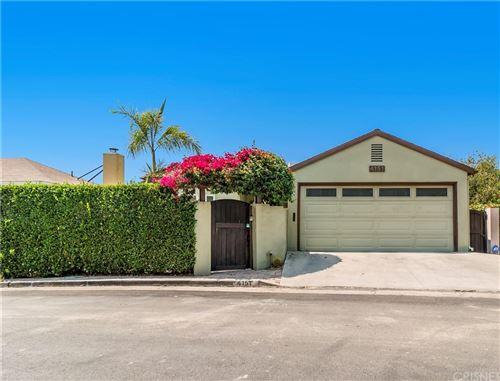 Photo of 4151 Holly Knoll Drive, Los Feliz, CA 90027 (MLS # SR21182906)