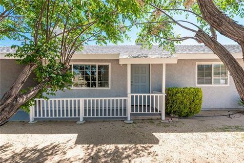 Photo of 6909 Hillview Avenue, Joshua Tree, CA 92252 (MLS # JT21078908)