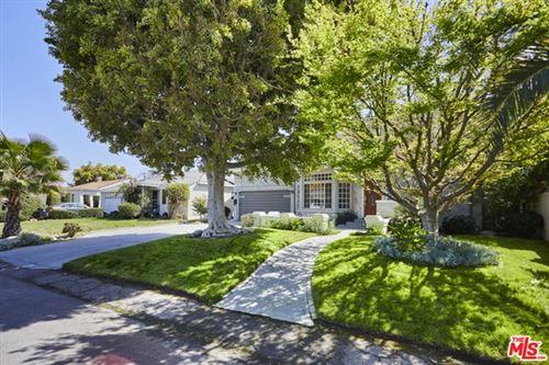 Photo of 10422 Weddington Street, Toluca Lake, CA 91601 (MLS # 21720918)