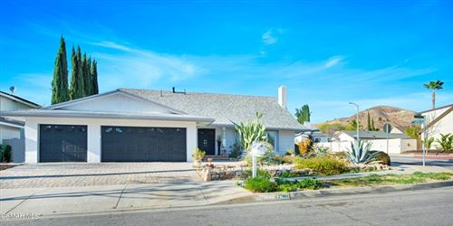 Photo of 27001 Helmond Drive, Calabasas, CA 91301 (MLS # 221000925)
