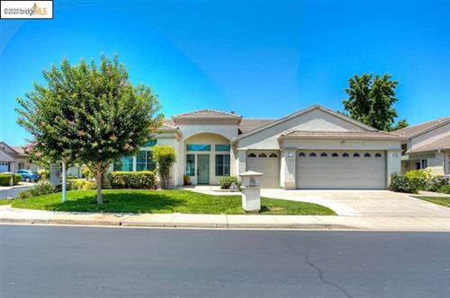Photo of 365 Winesap Dr, Brentwood, CA 94513 (MLS # 40891951)