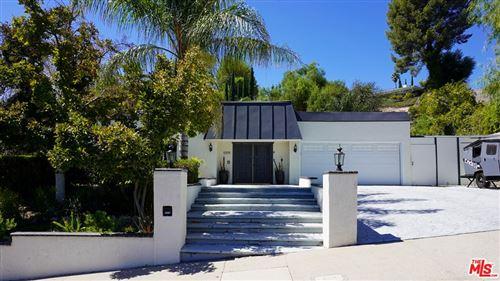 Photo of 5919 Maury Avenue, Woodland Hills, CA 91367 (MLS # 21778956)