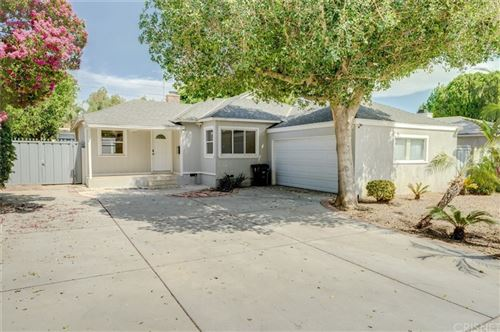 Photo of 8944 Amigo Avenue, Northridge, CA 91324 (MLS # SR21159962)