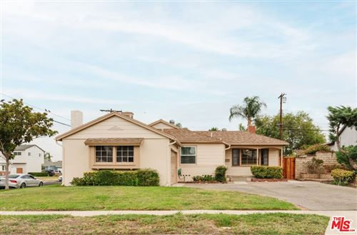 Photo of 16636 Marilla Street, Northridge, CA 91343 (MLS # 21779968)