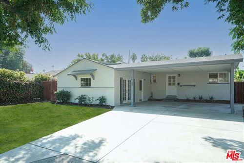 Photo of 16130 Kittridge Street, Lake Balboa, CA 91406 (MLS # 21776974)