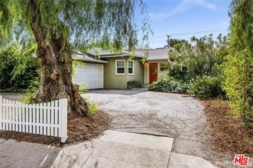 Photo of 5177 DON PIO Drive, Woodland Hills, CA 91364 (MLS # 20580992)