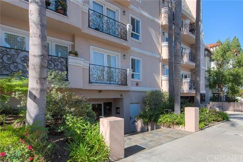 Photo of 4235 Mary Ellen Avenue #201, Studio City, CA 91604 (MLS # SR20113995)