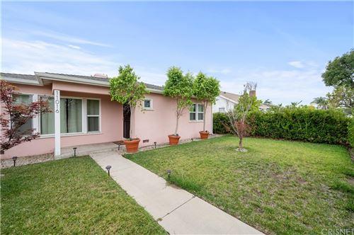 Photo of 11016 Califa Street, North Hollywood, CA 91601 (MLS # SR21166995)