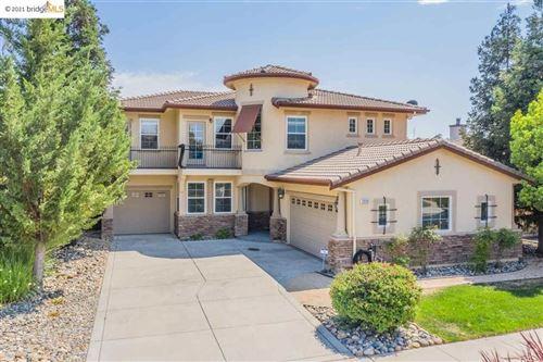 Photo of 2220 Spyglass Drive, Brentwood, CA 94513 (MLS # 40960997)
