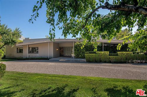 Photo of 713 North CRESCENT Drive, Beverly Hills, CA 90210 (MLS # 19498214)