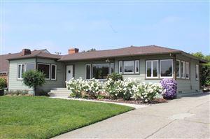 Photo of 1745 North GRAND OAKS Avenue, Altadena, CA 91001 (MLS # 819002218)