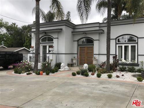 Photo of 5640 WINNETKA Avenue, Woodland Hills, CA 91367 (MLS # 19468250)