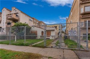 Photo of 10624 MOORPARK Street, North Hollywood, CA 91602 (MLS # SR19127332)