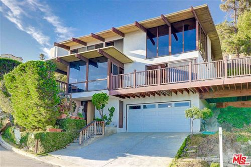 Photo of 21407 RAMBLA VISTA Vista, Malibu, CA 90265 (MLS # 19467474)
