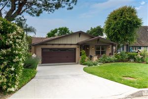 Photo of 924 East POPPYFIELDS Drive, Altadena, CA 91001 (MLS # 819002582)