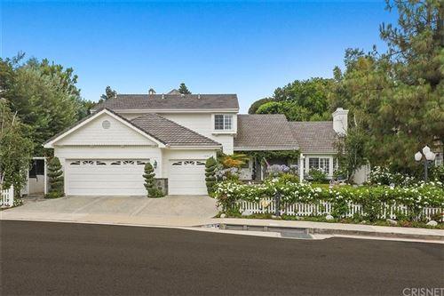 Photo of 6167 COUNTY OAK Road, Woodland Hills, CA 91367 (MLS # SR19211647)