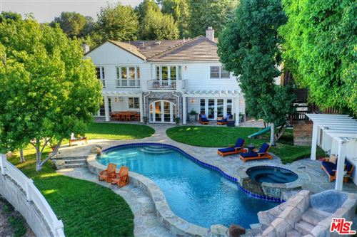 Photo of 13959 DURHAM Road, Beverly Hills, CA 90210 (MLS # 18358692)
