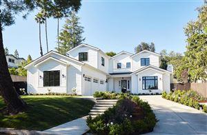 Photo of 1719 LA TAZA Drive, La Canada Flintridge, CA 91011 (MLS # 819001729)