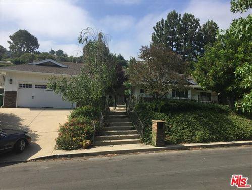 Photo of 15980 MEADOWCREST Road, Sherman Oaks, CA 91403 (MLS # 19494818)